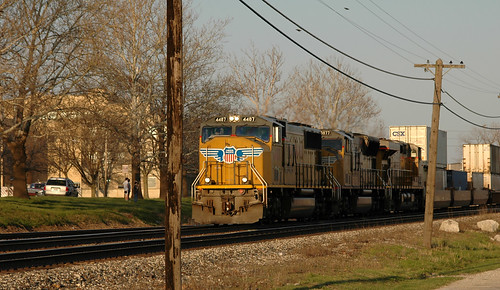 road park city trip railroad sunset urban industry up yellow metal train shiny track industrial commerce technology power dusk tracks machine engineering rail railway trains roadtrip iowa dirty equipment business machinery vehicles engines transportation infrastructure rails april unionpacific locomotive mighty powerful loud railfan freight noisy q3 apparatus locomotives citypark 2007 might freighttrain riverviewpark railfanning fortmadison trainwatching armouryellow fortmadisontrains 200704mississippiroadtrip ©jimfraziercom