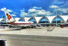 A Thai 747-400 at Suwannaphoom Airport