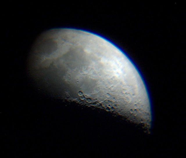 Telescope Looking at Moon Images & Pictures - Findpik