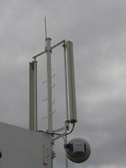 light fixture(0.0), mast(0.0), wind(0.0), street light(0.0), tower(0.0), wind turbine(0.0), lighting(0.0), machine(1.0), antenna(1.0),