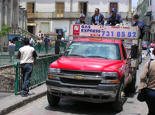 Henrik Bennetsen's photo of gas delivery in Guanajuato.