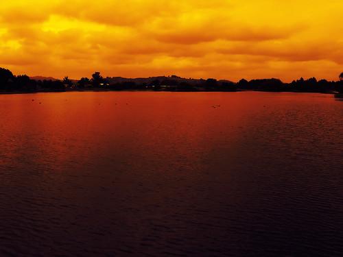 sky orange lake colour water gradientmap curiouskiwi pse3 utataredorange brendaanderson inagroup curiouskiwi:posted=2006