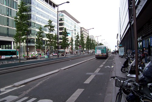 Bus lane Rue Neuve Tolbiac | by rob_wrenn