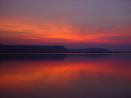 sunset sky lake beautiful wisconsin clouds river mississippi colorful day cloudy valley serenity bluff onalaska frenchisland
