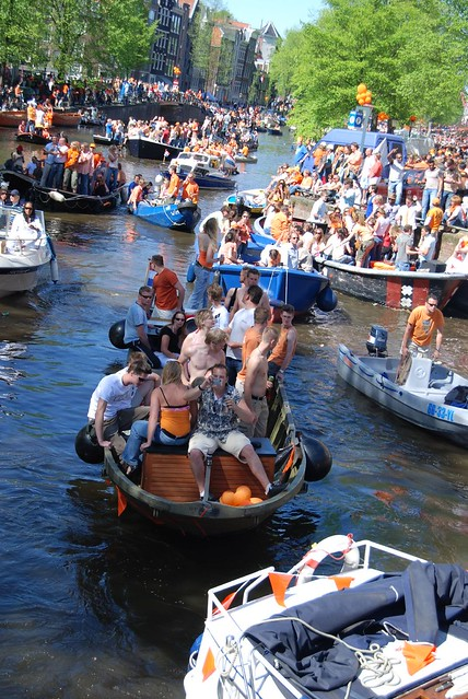 Canal Traffic, Queen's Day