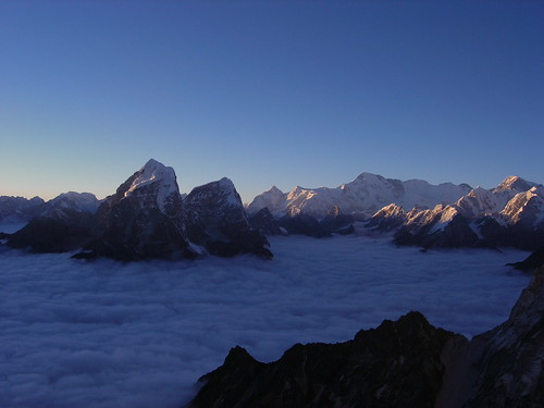 nepal sunset mountains expedition climbing himalaya khumbu amadablam node:id=176
