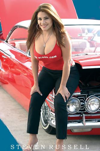 Buitiful Girls Driving Cars