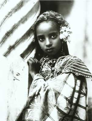 Tunisian girl, photo of Rudolf Lehnert