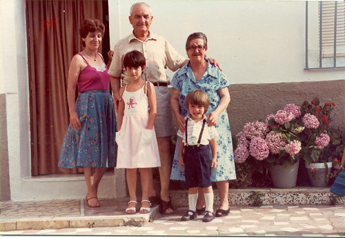 (1981) Andalusian Family