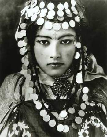 Tunisia Berber girl, by Rudolf Lehnert