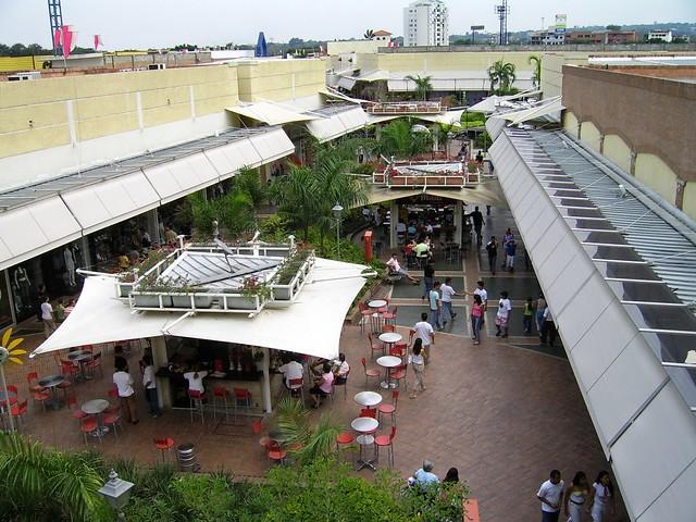 Jard n plaza visto desde los cines by vik407 flickr for Jardin plaza