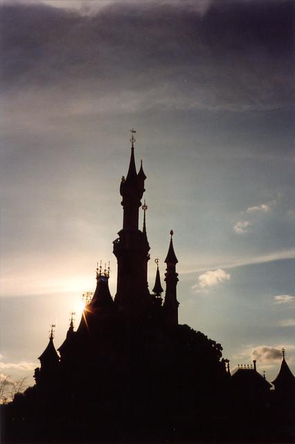 Silhouette of Sleeping Beauty's Castle in Disneyland Paris ...