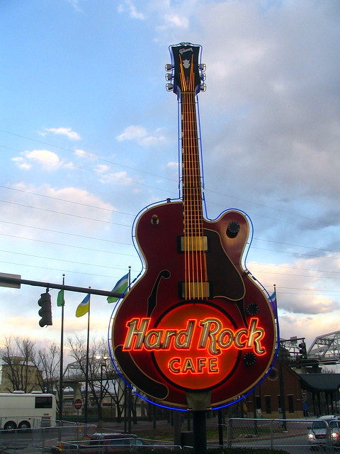 Hard Rock Cafe guiter neon sign - Nashville