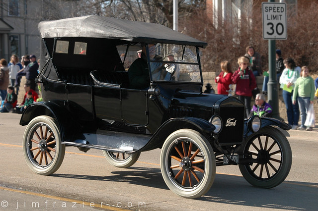 Old Ford (Model T???)