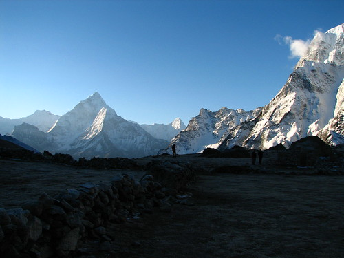 nepal mountains silhouette sunrise trek geotagged solukhumbu dzongla sagamartha geo:lat=2794149116247464 geo:lon=8677395473167047