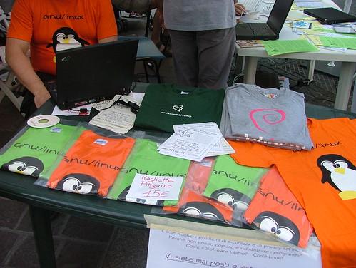 Linux in piazza - Alessandria 19 maggio 2007
