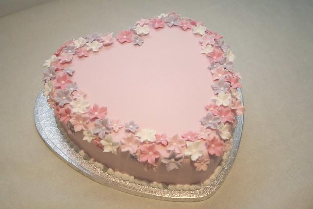Cake Decorations Heart Shaped : 471666933_c942a2afbf_z.jpg