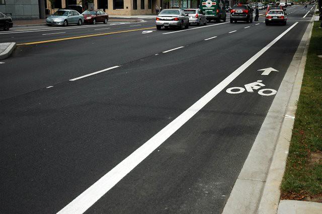 new bike lane on Naito