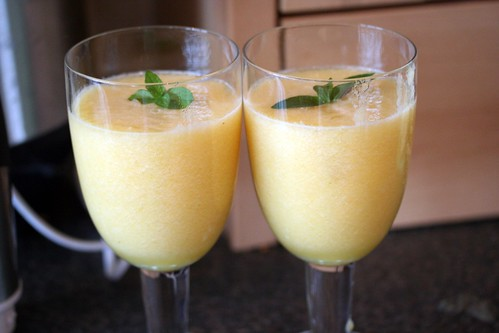 pineapple pear and melon smoothie