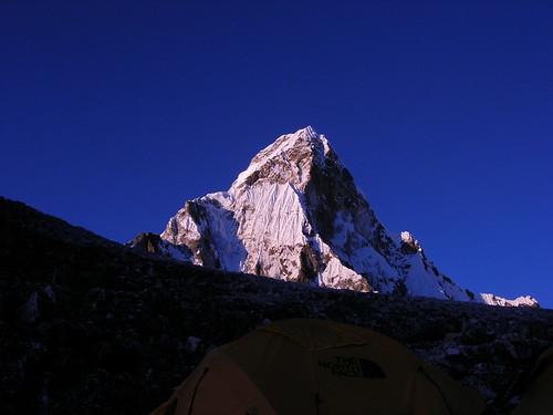 nepal sunset mountains expedition climbing himalaya khumbu amadablam node:id=176