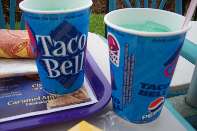taco bell segmentation Taco bell consumers are generally slightly lower income, african american, and adolescent age taco bell consumers are more likely to purchase taco bell during larger pantry stocking trips brands such as old el paso, mission (foods), and velveeta also tend to be purchased in the same trip.