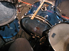 drummer(0.0), timbales(0.0), electronic instrument(0.0), skin-head percussion instrument(0.0), tom-tom drum(1.0), percussion(1.0), bass drum(1.0), snare drum(1.0), drums(1.0), drum(1.0),