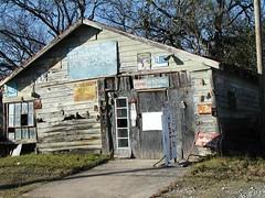 Old barn-type building in Sherman