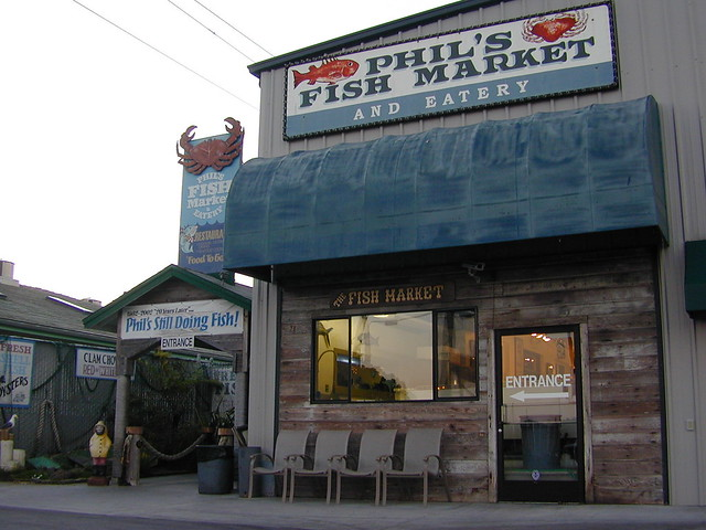 Phil 39 s fish market eatery flickr photo sharing for Phil s fish market moss landing