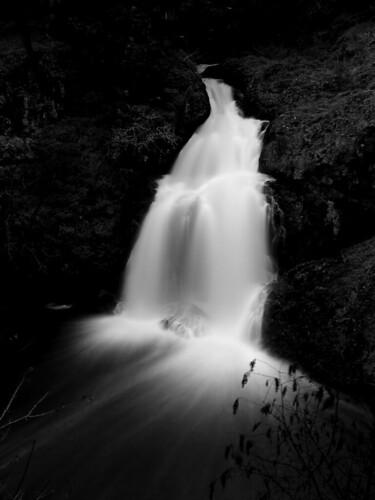 longexposure blackandwhite bw water geotagged waterfall topf50 rocks 25 topv777 wittys tccomp001 geo:lat=483880 geo:lon=1235225 cotcmostfavorited