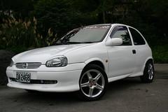 sedan(0.0), automobile(1.0), opel(1.0), vehicle(1.0), city car(1.0), compact car(1.0), land vehicle(1.0), hatchback(1.0),