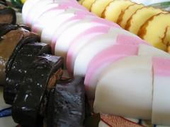 おせち料理(2) 昆布巻き、紅白かまぼこ、伊達巻