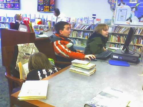 Kids at the library by mamamusings