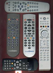 feature phone(0.0), multimedia(0.0), answering machine(0.0), remote control(1.0), electronic device(1.0),