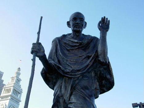 3. Mohan Das Karamchand Gandhi
