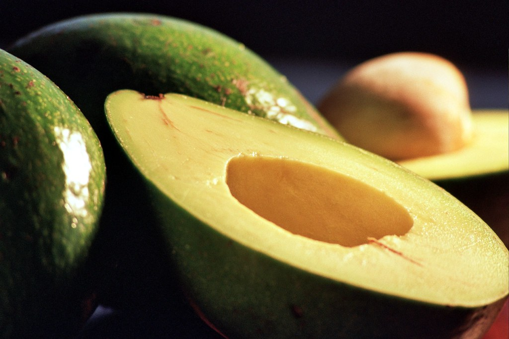 avocados raw, all commercial varieties