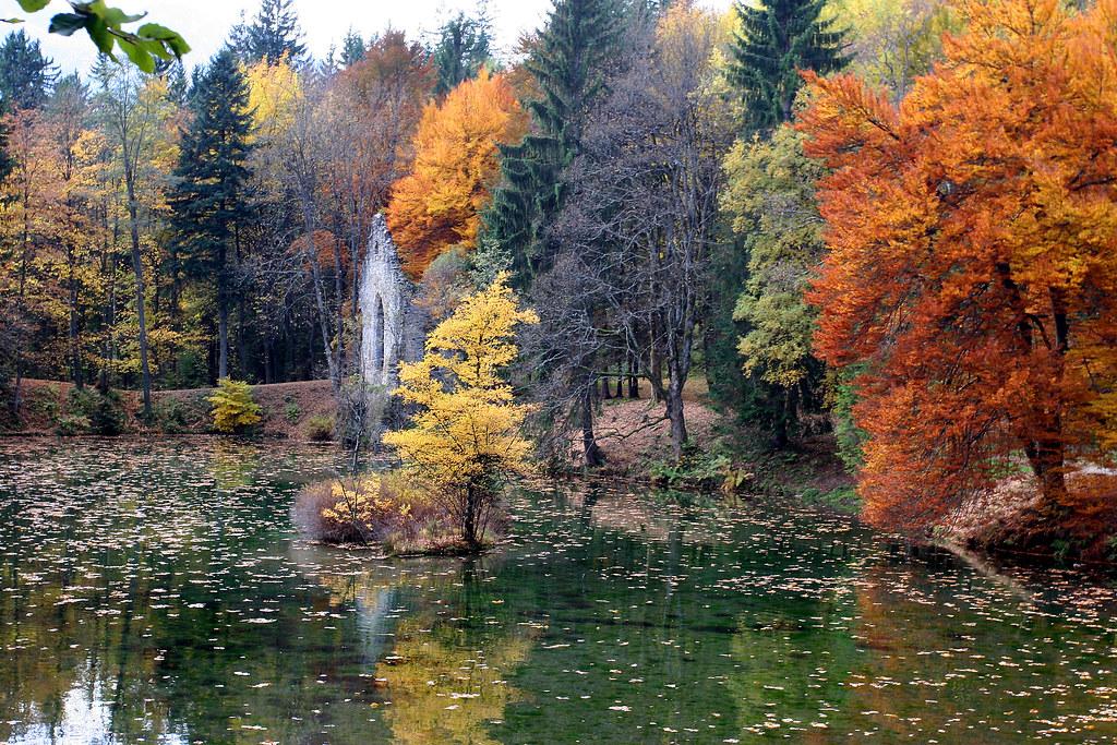 Lac Des Gaillands: public park in Chamonix, France