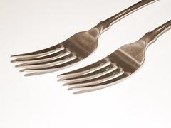 fork(1.0), tool(1.0), tableware(1.0), cutlery(1.0),