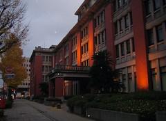 夕刻の神奈川県庁