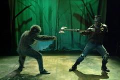 Sun, 2005-10-30 22:53 - Monkey battles
