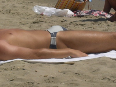 Beach Bulge http://www.flickr.com/photos/75312687@N00/73236041/