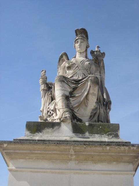 Statue at jardin des tuileries entrance flickr photo sharing - Statues jardin des tuileries ...
