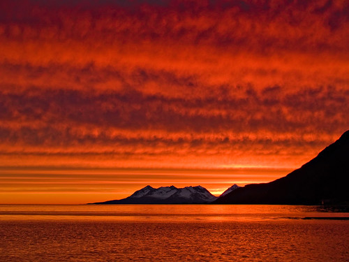 ocean sunset sea sun mountain norway norge norwegen olympus midnight noruega nordnorge senja troms evolt norvège e500 ibestad andørja ånstad