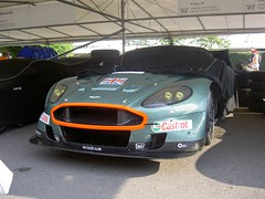 race car, automobile, automotive exterior, vehicle, aston martin v8 vantage (2005), aston martin dbs, aston martin vantage, performance car, automotive design, land vehicle, supercar, sports car,