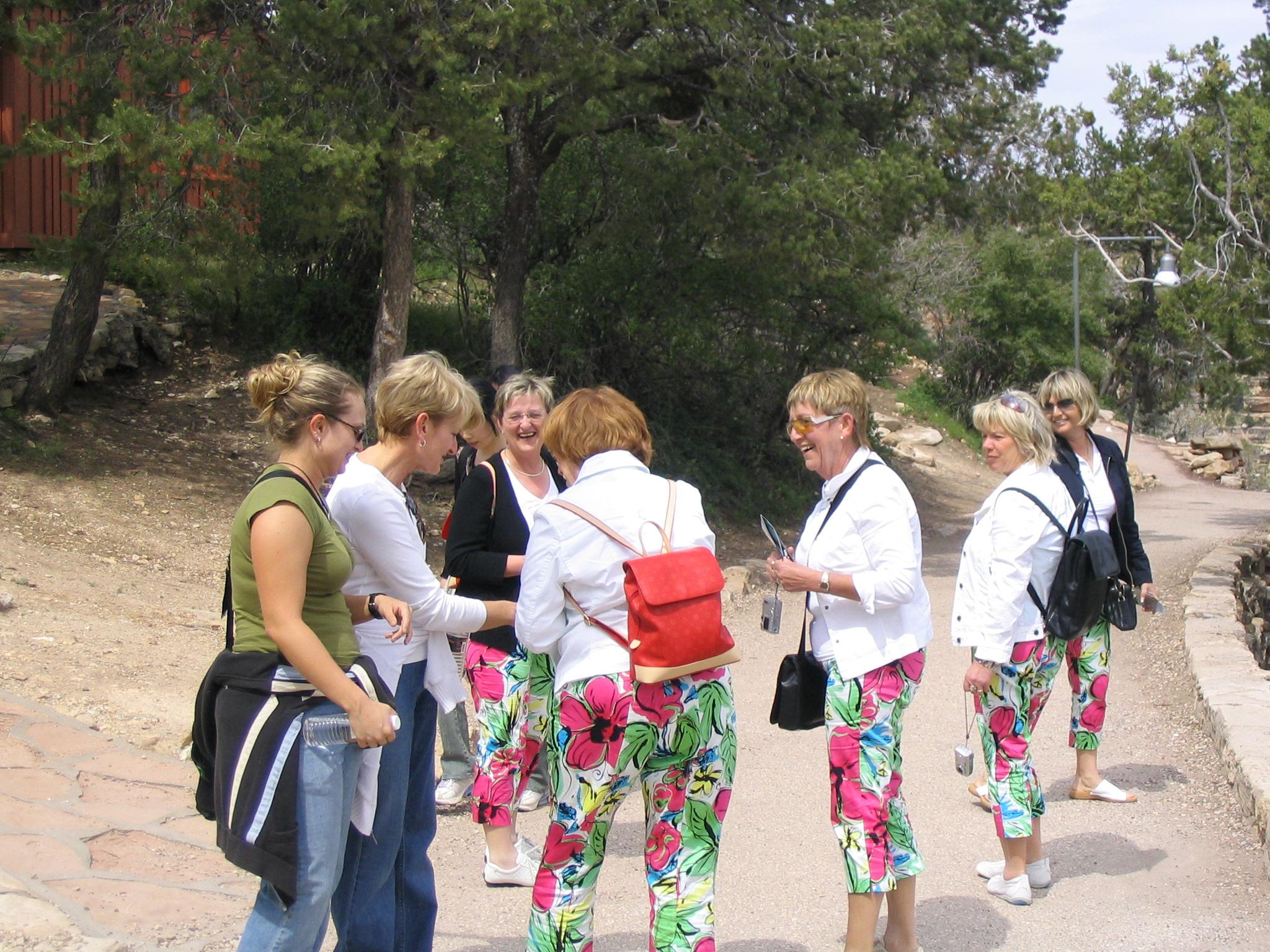 German girls in Grand Canyon