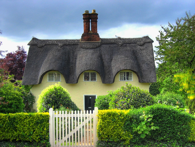 England bedfordshire thatched cottage flickr photo sharing - The thatched cottage ...