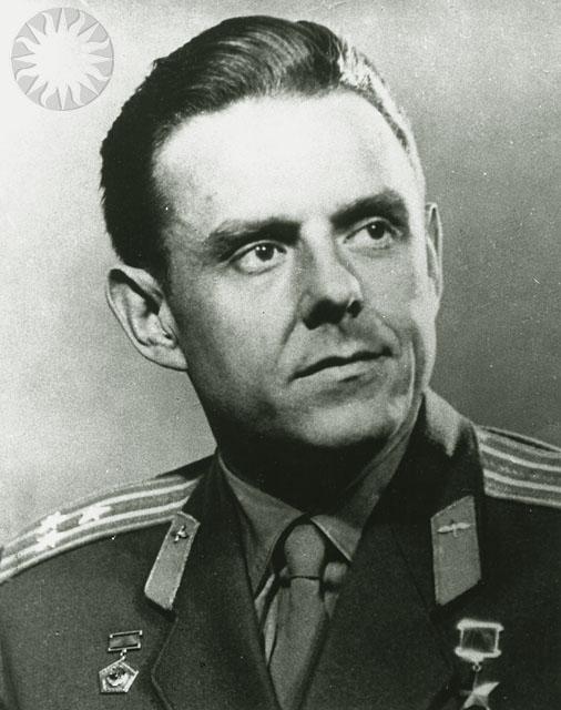 Komarov Vladimir M