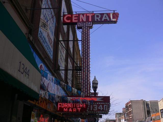 Central Furniture Mart Milwaukee Avenue Chicago Flickr Photo Sharing