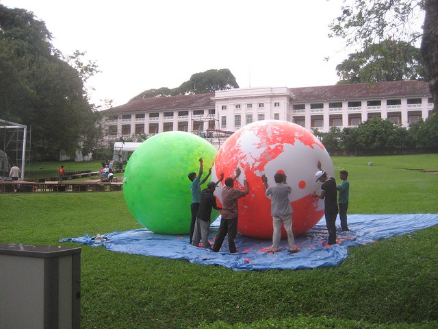 Inflating giant balls