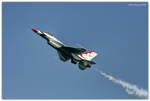 florida planes thunderbirds airforce viper usaf ftlauderdale f16fightingfalcon canonef70200mmf4lisusm airseashow07
