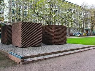 Billede af Lauri Kristian Relander. park statue helsinki combo photomatixbasic10